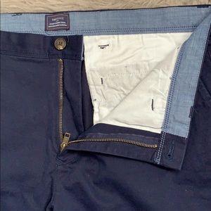 GAP NWOT men's khakis size 38